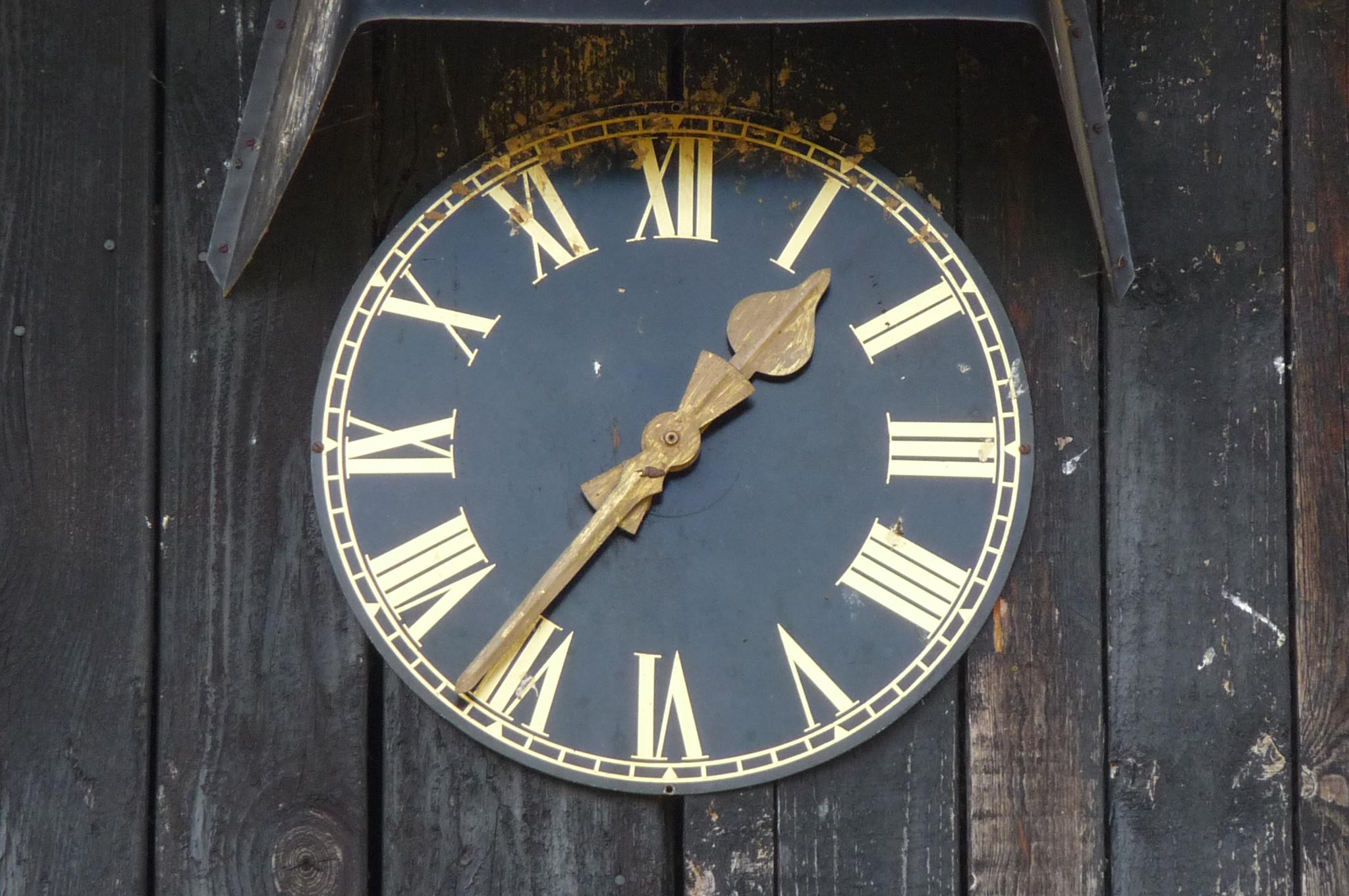 colemore farm clock